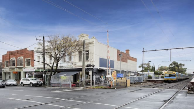 Bay Street, Brighton cafe sells under the hammer