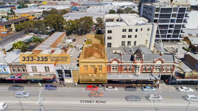 Versatile Brunswick commercial building leased by Burger Buzz for sale