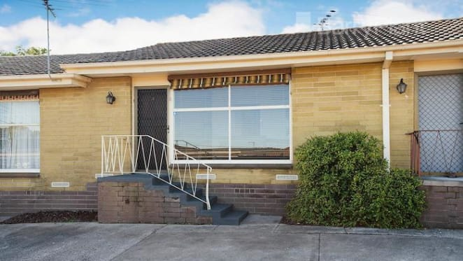 One bedroom Mordialloc unit sold for $390,000