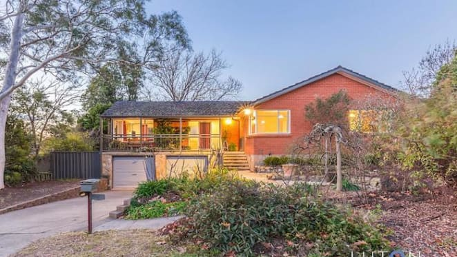 Mountain-view Hackett house sold for $1.06 million