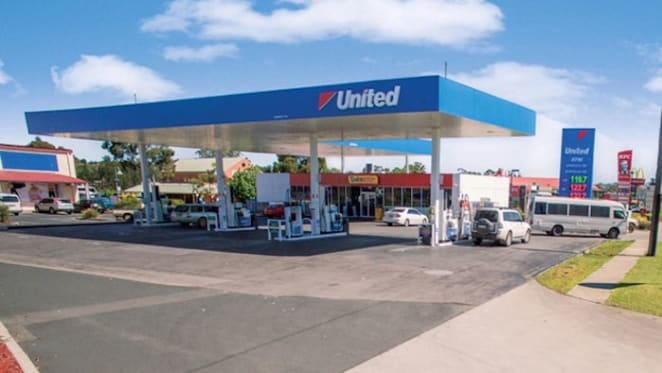 Tamworth service station listed for auction