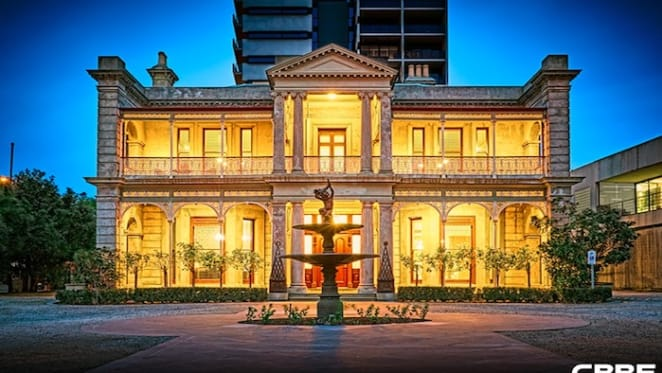 Iconic St Kilda building goes wanting