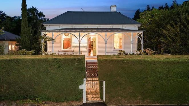 1890s Daylesford house, Goodman House, listed for $1.385 million