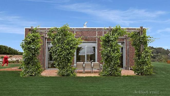 Sustainable bushfire-proof straw Daylesford house, The Green House, listed