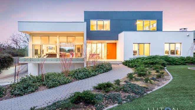 Peter Byfield-designed Red Hill house sold for $2.9 million