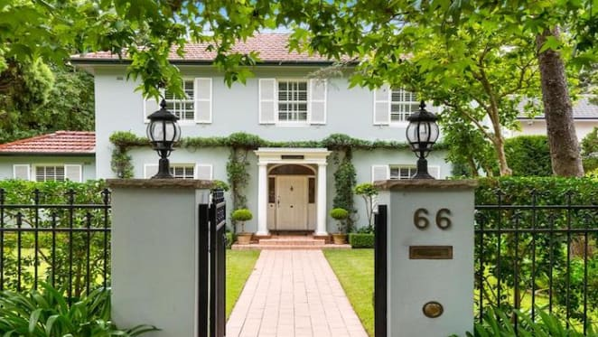 Former Star City chief executive David Banks lists 1930s Pymble trophy home