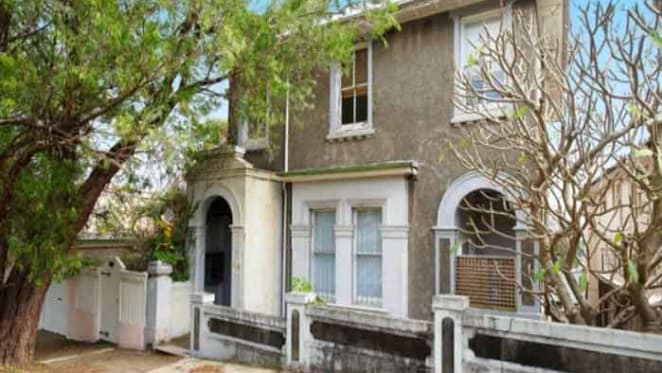 Sydney power couple buy in Darling Point
