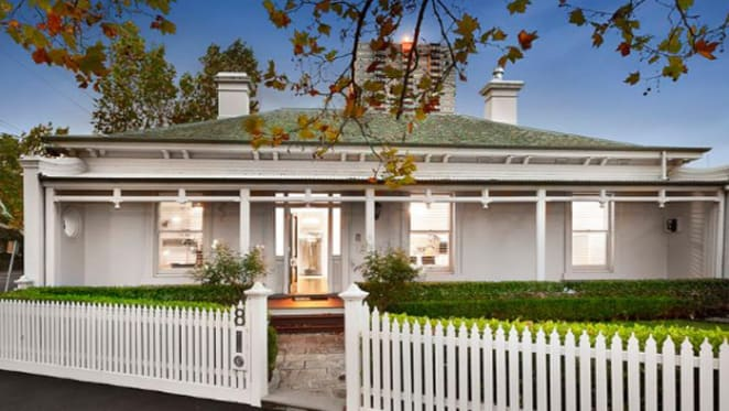 South Melbourne sells at $300,000 premium to late 2016 buyer interest