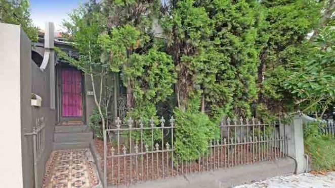 Amanda Tabberer lists cute Woollahra gingerbread cottage