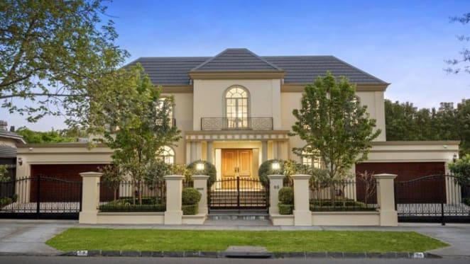 Balwyn tops the sales as Melbourne clearance rate slips to 67%: REIV