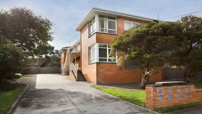 Bayside Frankston apartment block close to the beach for sale