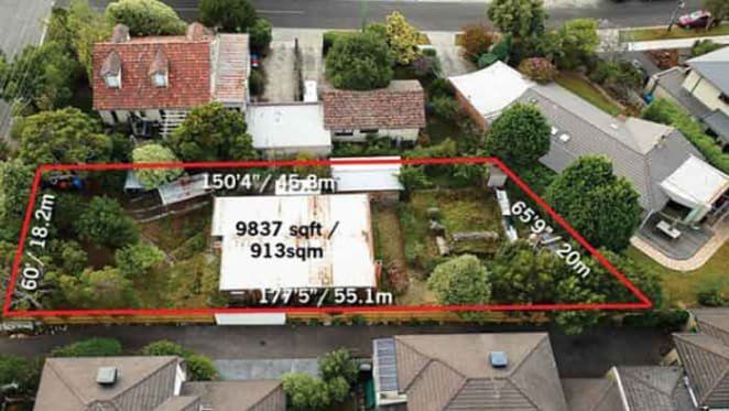 Cricketer Peter Siddle buys Black Rock building block