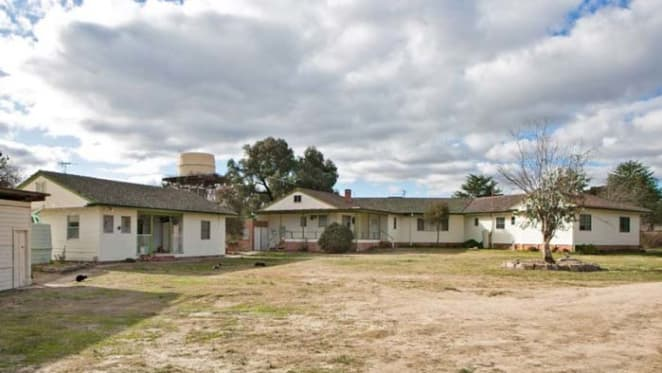 New England Brushgrove to Meares online auction