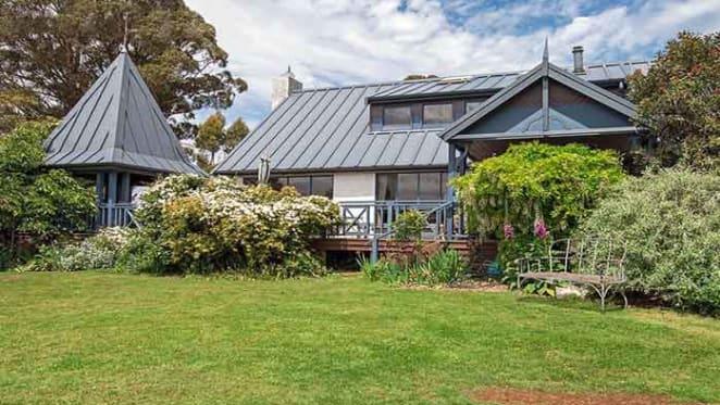 Ronnie Burns lists Tasmania's Appin Hall