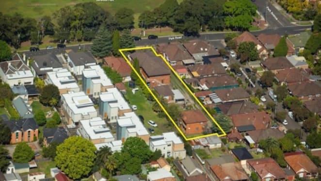 Burwood townhouse site sells at $1.1 million through Savills