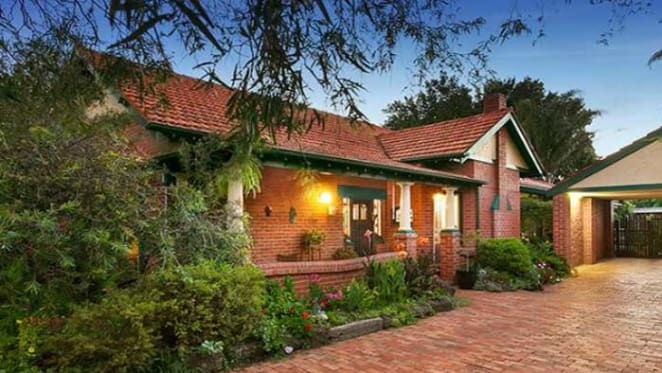 Melbourne's prestige suburbs netting 100 percent clearance rates