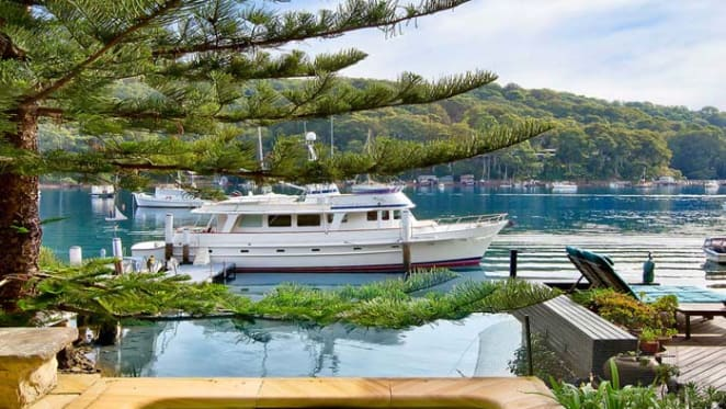 Chips Rafferty Pittwater home, Laffing Waters sells