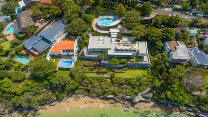 The Belgiorno-Nettis clan sold their lower north shore apartment, but still seek buyers for their family estate