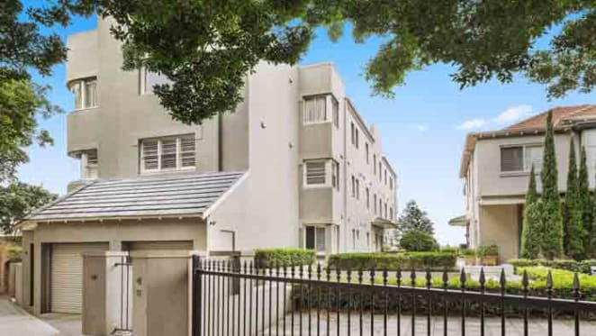 Wellness coach Jessica Sepel sells in Darling Point