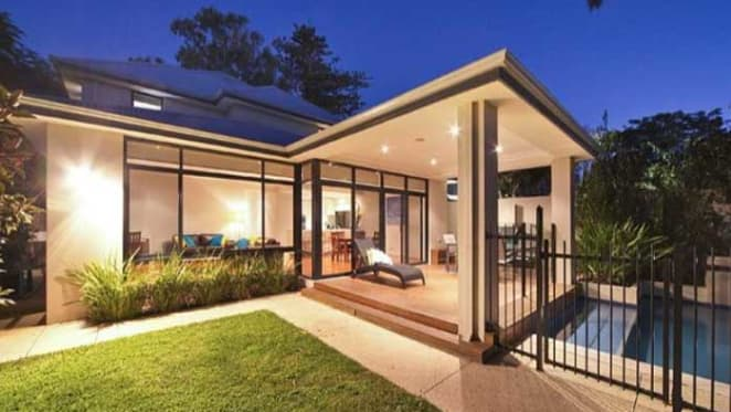 Former Hawks captain Sam Mitchell buys in Cottesloe