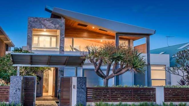 Sarich family relist Cottesloe home