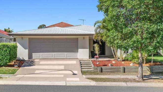 Cronk's Calamvale home under contract as Tara Rushton makes property move too