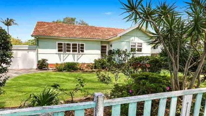 Curl Curl cottage stars in Sydney weekend auctions