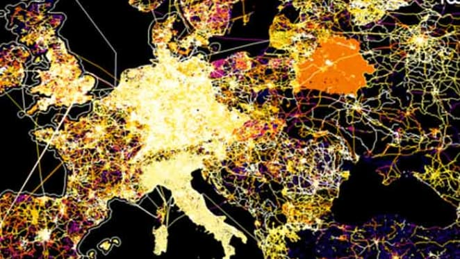 Quantamentals, signal surfing and fast walkers: mapping the rise of weird data