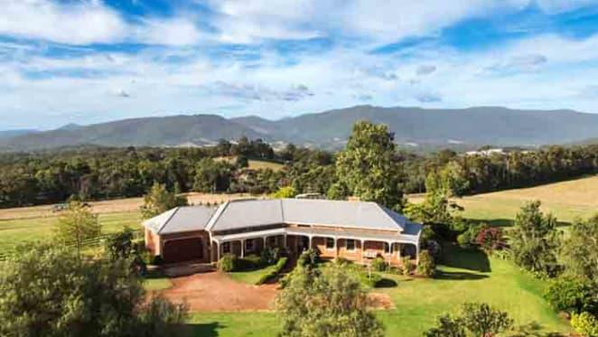 De Bortoli buy Lusatia Park from Shelmerdine family