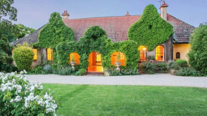 Kirribilli, Adelaide Dutch colonial offering