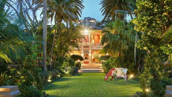 Berthong, Elizabeth Bay harbourfront trophy home listed