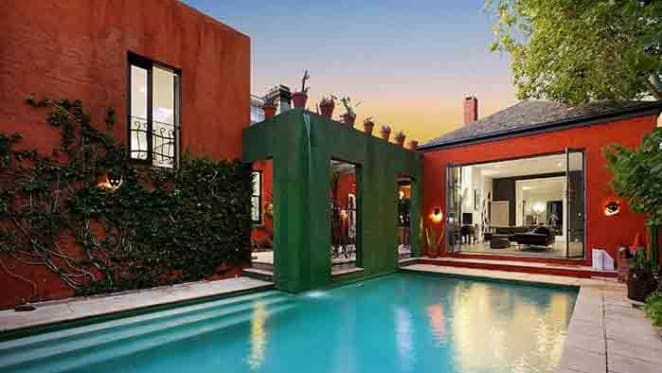 Fashion icon Jenny Bannister has sold her St Kilda home for $3.3 million