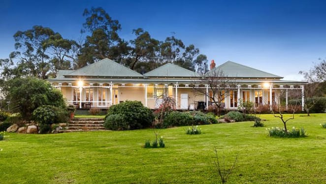 Fergus Watts buys relocated Moorooduc homestead