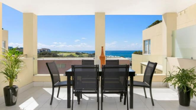 Radio's Sam Frost outbid on Clovelly apartment