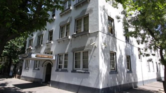 Budget boarding house Gatwick Hotel in Melbourne on the market