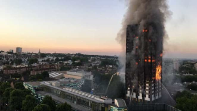 Builder agrees to replace flammable cladding on Lacrosse tower in Docklands