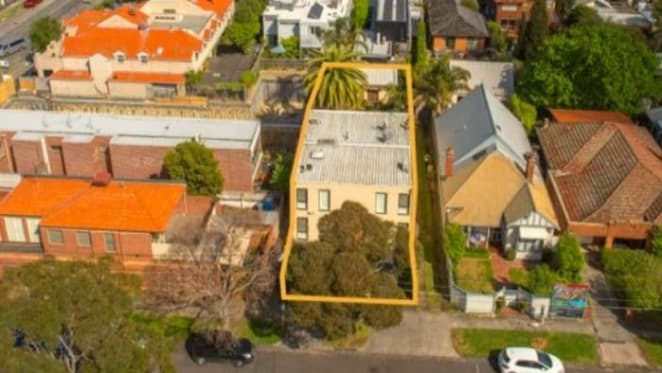 Beach site in Melbourne's Hampton with apartment permit to go under the hammer