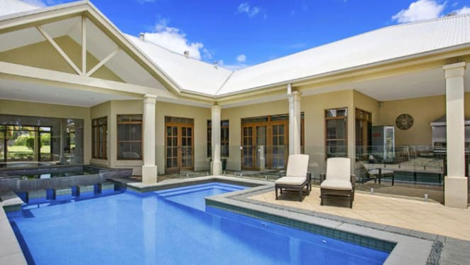 Lleyton Hewitt lists Sydney acreage