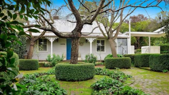Anjele, the 1880s Burrawang weatherboard cottage listed