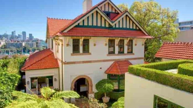 Cosmetic surgeon Darryl Hodgkinson sells Darling Point home
