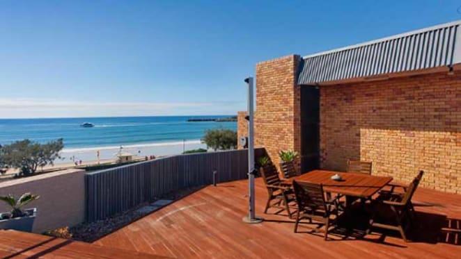 Ian Macfarlane buys Sunshine Coast apartment