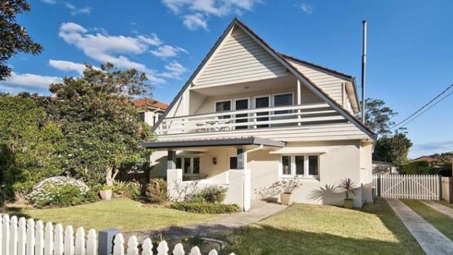 Broadcaster Kel Richards lists Riverview home
