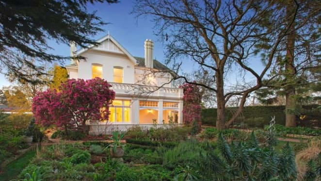 Camberwell record setting auction listing