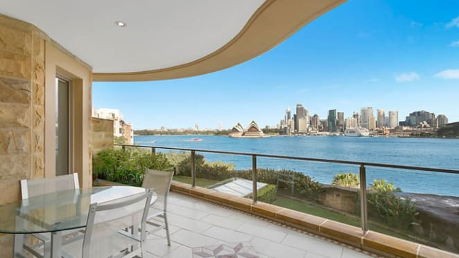 Dulux chairman secures $6.5 million for all white Kirribilli apartment