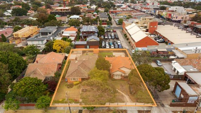Developer pays premium for dual residential sites