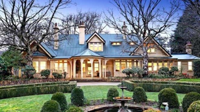 Garden estate Sefton, Mount Macedon sold