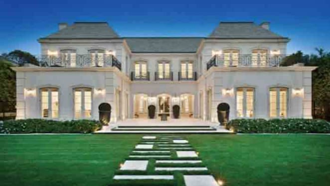 Toorak record price prospect listed by the Smorgon family