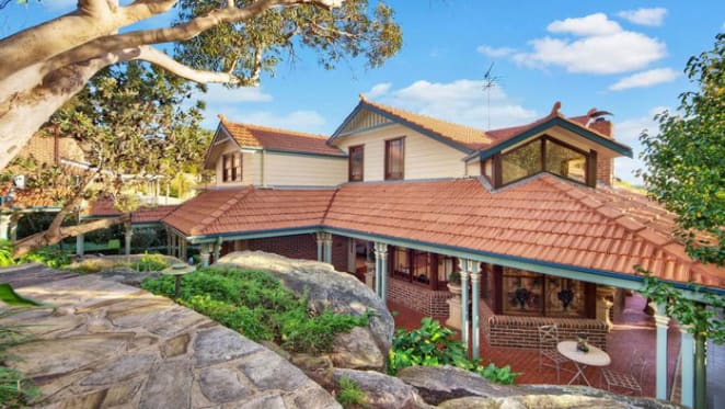 Steve Waugh sells Alfords Point