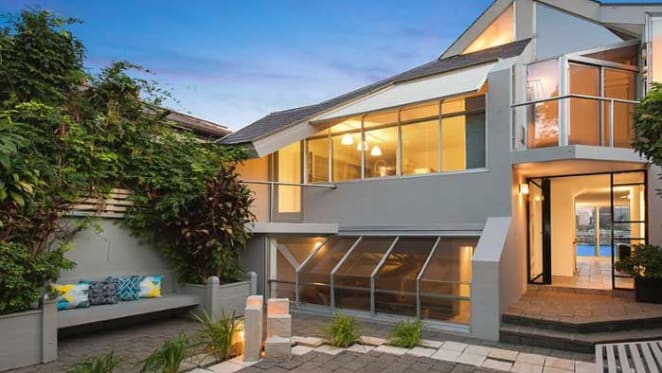 McMahons Point harbour view house sold for $9.38 million