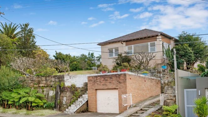 Melbourne likely to take strongest auction mantle as Sydney's 80% at year low